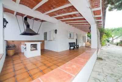 Дом в Испании на побережье Коста Маресме в 30 минутах от Барселоны с пристройкой для гостей
